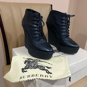 Burberry wedged booties